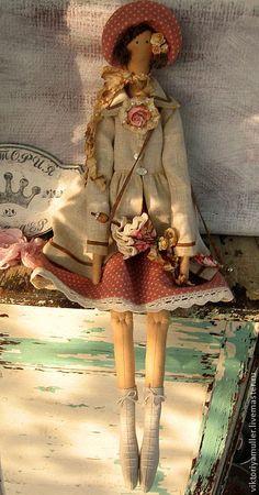 Купить кукла тильда ручной работы Барышня в пальто - бежевый, кукла Тильда, кукла текстильная
