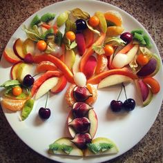 How cool is a #tree made of #fruit for Tu B'Shevat?