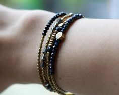 Black spinel bracelet: delicate bracelet. Stackable jewelry. Brass & beads collection.