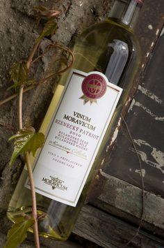 Bílé víno - Bzenecký Patriot 2010 Pozdní sběr - Vinum Moravicum a.s. Bottle, Rose, Pink, Flask, Roses, Jars