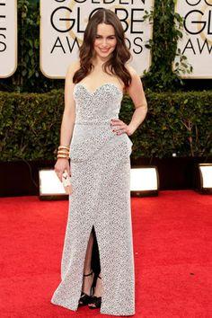 Los vestidos de los Golden Globes: EMILIA CLARKE