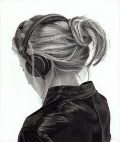 amazing charcoal drawings.