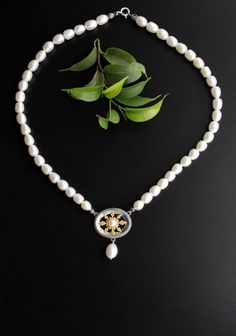 Trachtenkette mit Perlen Pearl Necklace, Pearls, Jewelry, Food, Fashion, String Of Pearls, Beading Jewelry, Stars, Handmade