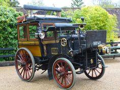 Mehr Museumsstück als Oldtimer: der private Omnibus von Panhard & Levassor aus dem Jahre 1896.