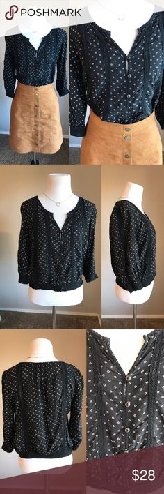"""{Free People} Blouse Fun triangle print blouse with buttons in the front. Loose fit. No holes or stains. Top is 19"""" long. *No trades* Free People Tops Blouses"""