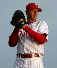 Roy Halladay the man the myth the soon to be legend and hall of famer Mlb Players, Baseball Players, Baseball Cards, Kobe Bryant, Fantasy Team, Phillies Baseball, Philadelphia Sports, Sports Pictures, Sports Teams