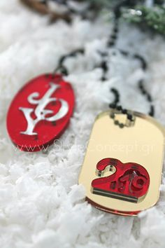 #2019 #charms #plexiglass #key #gift #merrychristmas #xmas #giftset # joy Σετ δώρου plexiglass με κολιέ Joy και μπρελόκ ταυτότητα 2019. Κολιέ μαύρη αλυσίδα μπίλια μήκους 80 cm και κρεμαστό οβάλ στοιχείο με το μήνυμα Joy σε συνδυασμό κόκκινου-ασημί plexiglass καθρέφτη. Μπρελόκ  με μαύρη αλυσίδα μπίλια μήκους 10 cm και ταυτότητα 2019 σε συνδυασμό χρυσού-κόκκινου plexiglass καθρέφτη. Sugar, Cookies, Desserts, Food, Crack Crackers, Tailgate Desserts, Deserts, Biscuits, Essen