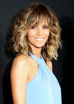 Halle Berry Full Bang Mid-length Straight Human Hair Capless Wigs 14 Inches Featured on: halle berry new hairstyle Halle Berry at the Annual Event, February 2019 Halle Berry Hairstyles, Easy Hairstyles For Medium Hair, Hairstyles With Bangs, Pretty Hairstyles, Medium Hair Styles, Curly Hair Styles, Guy Haircuts, Curly Hair With Bangs, Wavy Hair