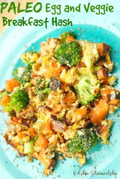 Easy Paleo Whole30 Egg and Veggie Breakfast Hash Recipe (meatless for Lent!)