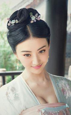 The Glory Of Tang Dynasty 《大唐荣耀》 Pretty Asian, Beautiful Asian Women, Jing Tian, Beauty Crush, Ancient Beauty, Traditional Fashion, Musa, Chinese Model, Chinese Actress