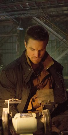 """Arrow - Stephen Amell as Oliver Queen (I think this is 2x16 """"Suicide Squad"""")"""