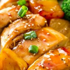 Homemade teriyaki sauce is so easy. Use it in this healthy 30 minute teriyaki shrimp for dinner tonight! Baked Pineapple, Pineapple Chicken, Pineapple Recipes, Crushed Pineapple, Baked Teriyaki Chicken, Teriyaki Sauce, Peanut Chicken, Chicken Zucchini, Zucchini Noodles