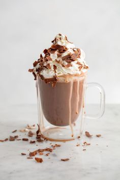 Brownie Batter Hot Cocoa And 30 More Indulgent Hot Chocolates You Need This Winter Brownie Batter, Milk Shakes, Think Food, Hot Chocolate Recipes, Vegan Chocolate, Hot Cocoa Recipe, Chocolate Chips, Tasty, Yummy Food