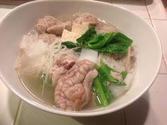 Rice noodle soup with pork balls, fish ball, pork brain ေျကးအိုး