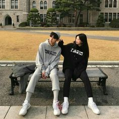 Hunnam hunnyeo🌱 Req pict hunnam or hunyeo,vsco tutorial ala hunnam hunyeo,good food comment and vote. Mode Ulzzang, Ulzzang Korea, Ulzzang Boy, Cute Korean, Korean Girl, Asian Girl, Korean Couple, Best Couple, Cute Couples Goals