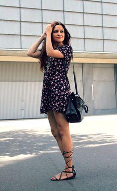 LITTLE BLACK COCONUT: Floral dress, Roman sandals, ethnic necklaces. Summer outfit.