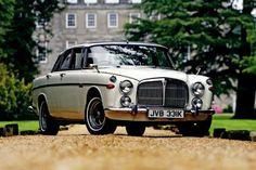 """Rover Coupe It's an """"Auntie"""" car. If only it was as light as the Retro Cars, Vintage Cars, Antique Cars, Jaguar, Car Rover, Cars Uk, British Sports Cars, Classy Cars, Classic Motors"""