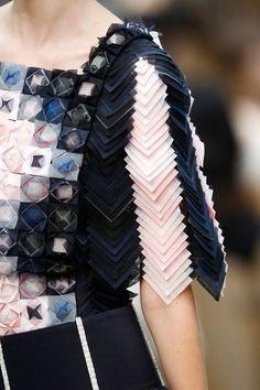Fabric manipulation and textile design - Particolari