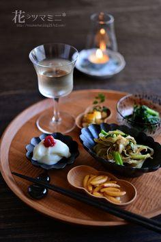 おつまみ白ワイン - Japanese OTUMAMI Cute Food, Good Food, Yummy Food, Japanese Dishes, Japanese Food, Doner Kebabs, Plate Lunch, Food Presentation, Food Design