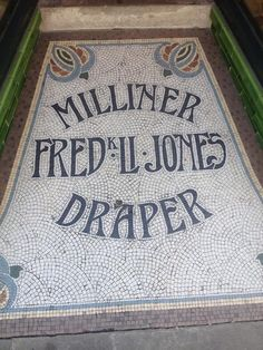Mosaic type via Tile Crafts, Mosaic Crafts, Floor Patterns, Tile Patterns, Mosaic Diy, Mosaic Tiles, Entry Tile, Floor Graphics, Hallway Designs