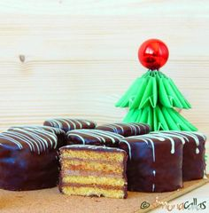 Mini prajituri cu ciocolata petit fours prajitura excelent 2