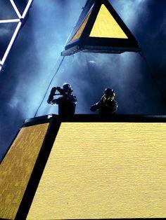AWESOME photo of Daft Punk~