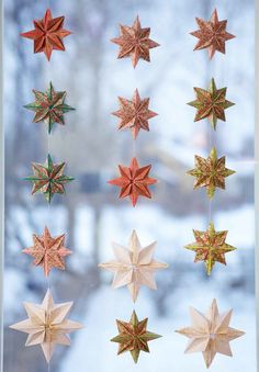 Decorations for Christmas, origami star curtains for the kitchen window. I… diy christmas gifts, christmas gift bucket, gifts for inlaws christmas for Christmas, origami star curtains for the kitchen window. Christmas Origami, Christmas Post, Homemade Christmas, All Things Christmas, Oragami Christmas Ornaments, Christmas Stars, Paper Ornaments, Origami Stars, Origami Garland