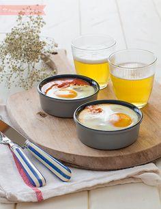 Los huevos al plato son una receta fácil, ideal para una cena rápida. Descubre cómo hacer huevos al plato paso a paso, una receta barata y deliciosa.