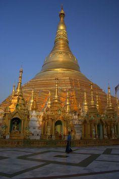Shwedagon Pagoda - Yangon Myanmar