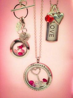 How adorable are these Valentine's Day Origami Owl lockets? Large silver locket with crystals and beauty key plate inside! Gorgeous dangles and a beautiful silver toggle chain with a medium silver locket! Find RACQUEL KAROW on FB to order! Origami Owl Necklace, Origami Owl Lockets, Origami Owl Jewelry, Origami Owl Core, Origami Owl Parties, Origami Owl Business, Locket Bracelet, Personalized Charms, Swagg