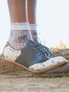 Bass x Rachel Antonoff Matilda Navy & Cream Floral Oxford Sock Shoes, Cute Shoes, Me Too Shoes, Pretty Shoes, Beautiful Shoes, Saddle Shoes, Shoe Boots, Bobby Socks, Floral Shoes