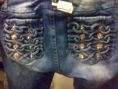 diseño de bolsillos  entrelazados de tiras para pantalón de mujer  #moda #pantalones #modazeus