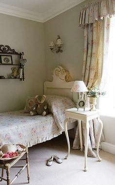 from Modern Country Style blog: Florals in Girls' Bedrooms