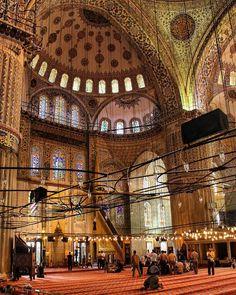 Dicas do lugares mais bonitos e Instagramáveis em Istambul, Turquia.A cultura e as paisagens fazem de Istambul um destino de viagem perfeito para fotografia Istanbul Turkey, Wonderful Places, Big Ben, Honey Moon, Trips, To Go, Around The Worlds, Europe, Vacation