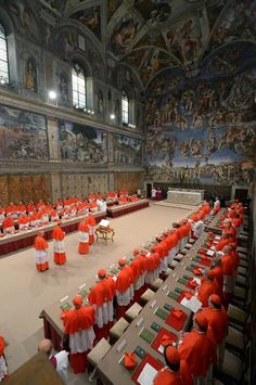 Cardinals take an oath of secrecy inside the Sistine Chapel at the Vatican on March 12 before they start the conclave to elect the Roman Catholic pope. Vatican City Rome, Rome City, The Vatican, Sacred Architecture, Church Architecture, Rome Florence, Bósnia E Herzegovina, Santa Sede, Michelangelo