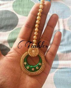 Dark Green Mang tika With Golden Balls On Top Silk Thread Bangles Design, Silk Thread Necklace, Silk Bangles, Beaded Necklace Patterns, Thread Jewellery, Jewelry Patterns, Beaded Jewelry, Diy Jewelry, Gold Jewelry