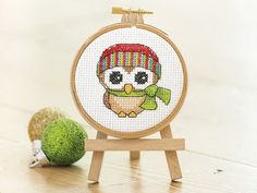 What a hoot! Enjoy this adorable Christmas owl chart - for you to cross stitch today! Designed by @tangleddmcfloss we love this cheery fellow, all wrapped up against the chilly air ;) Find this pattern (plus lots more) at our site - registration is free and fast!