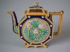 BWM-Majolica-octagonal-floral-teapot