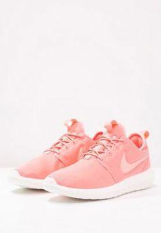 wholesale dealer 52ae5 e38c9 Nike Sportswear ROSHE TWO - Sneaker low - atomic pink sail turf orange für