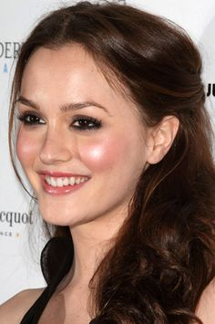 Smoky Eyes + Dewy Skin = A PERFECT look from Leighton Meester!