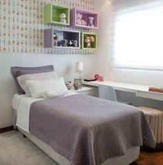 """""""Apartamento com base neutra e cores nos detalhes."""" Projeto: arquiteta Roberta Banqueri - Mais no Casa Vogue. (Foto: Gabriel Arantes / divulgação)"""