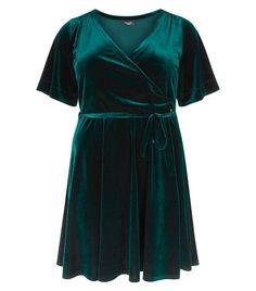 Curves Dark Green Velvet Wrap Dress | New Look