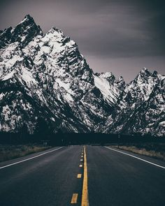 Regardez cette photo Instagram de @eye.of.ty • 2,184 J'aime | Grand Teton National Park | All roads lead to the same place - and that is wherever all roads lead to