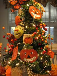 Country Creations By Denise: Pumpkin Halloween Tree