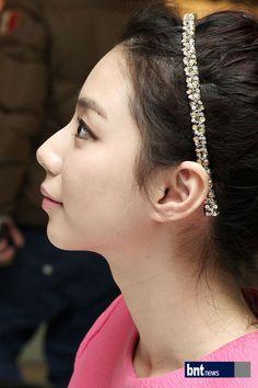 옆얼굴 - Google 검색 Google, Earrings, Fashion, Ear Rings, Moda, Stud Earrings, Fashion Styles, Ear Piercings, Ear Jewelry