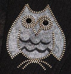 Grey Owl original designer zipper and felt handmade por 3latna