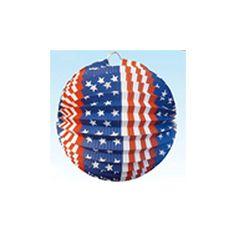 Lampion Amerika 24 cm. Bol lampion in een print van the amerikaanse vlag. De USA lampion is gemaakt van papier en is brandvertragend. De Amerikaanse lampion is ongeveer 24 cm groot.