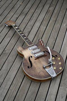 Une Gretsch New Airline ! Retrouvez des cours de #guitare d'un nouveau genre sur MyMusicTeacher.fr