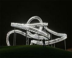 Landmarke Tiger&Turtle bei Nacht im Angerpark