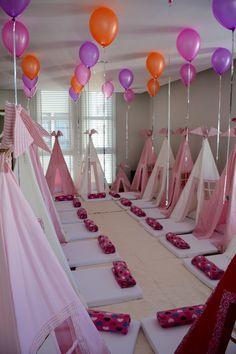 Festa Mágica e Especial é com a Crazy for Tents!!! #festadopijama#teepee#cabanas#sleepover#girls#onlygirls#BFF#magia#diversão#crazyfortents